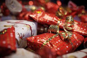 Wir wünschen euch viel Glück bei der Auswahl eurer Geschenke - und frohe Weihnachten!