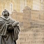 Am Reformationstag soll Martin Luther in Wittenberg seine 95 Thesen gegen den Ablassmissbrauch veröffentlicht haben.