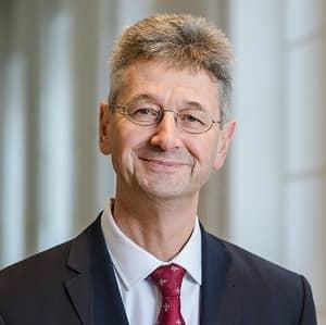 Für die Absage der Bayern Frühjahrsferien 2021 bekam Kultusminister Piazolo viel Kritik.